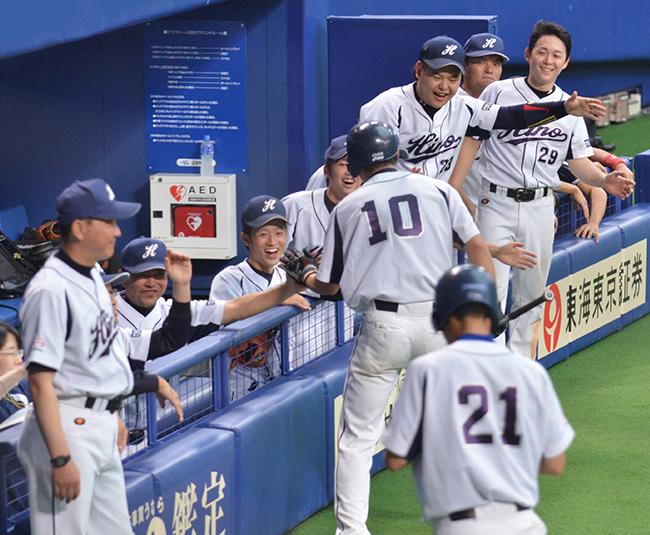 写真:野球大会で盛り上がる群馬日野の野球チームです!